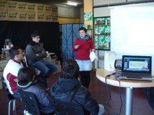"""""""Cata de oficios"""": Estudiantes en prácticas se acercan al Comercio Justo"""