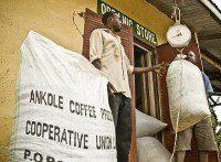 acpcu uganda 2 foto IO red