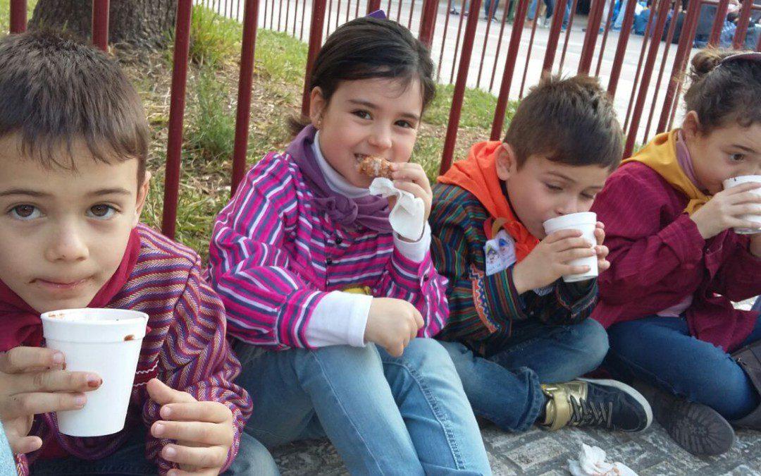 Nueve centros educativos valencianos servirán alrededor de 4.000 chocolates de Comercio Justo en la tradicional Xocolatá de Fallas